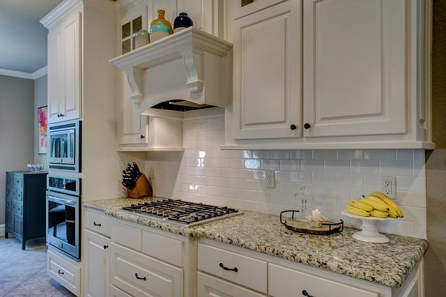 Moderní nábytek: Kuchyně do vašeho bytu