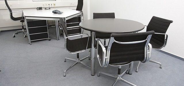Jak zařídit kancelář nebo byt vhodným nábytkem?