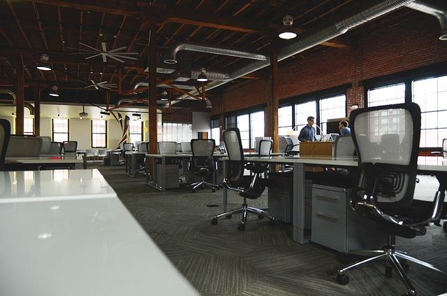 kancelářská skříň