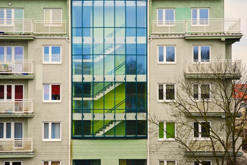 Je lepší plastové, nebo dřevěné okno?