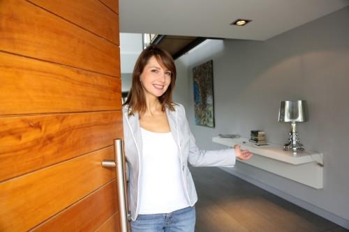 Málo zabezpečené vchodové dveře vyhledávají zloději nejčastěji, zdroj: shutterstock.com