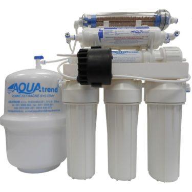 Devítistupňová reverzní osmóza od výrobce Aquatip je velmi ekologická, protože díky permeat pumpě produkuje méně odpadové vody. Zdroj: cz.cistavod.eu