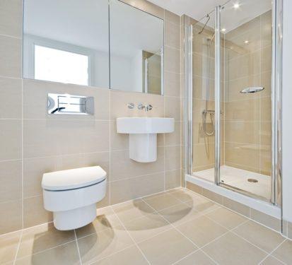 Pohodlný úklid podlahy díky závěsnému záchodu, zdroj: shutterstock.com
